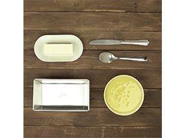preparare uova, zucchero e pizzico di sale