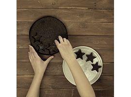 ricavare delle stelle dalla torta Pan di Stelle